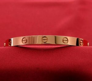 Amour Cartier rose bracelet en or