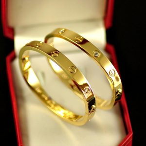 Cartier amour bracelet en or jaune