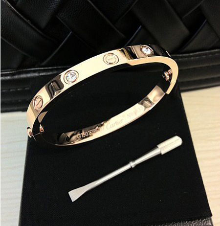 bracelet love de cartier replique
