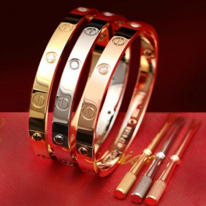 love bracelet cartier prix replique